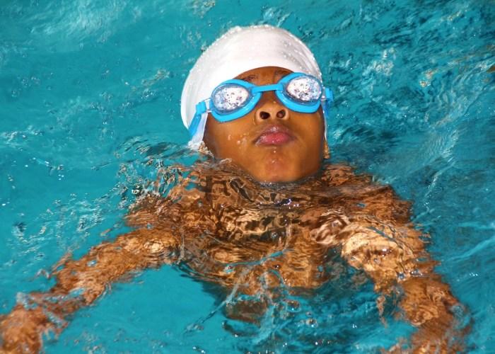 swim-lesson-goggles-boy