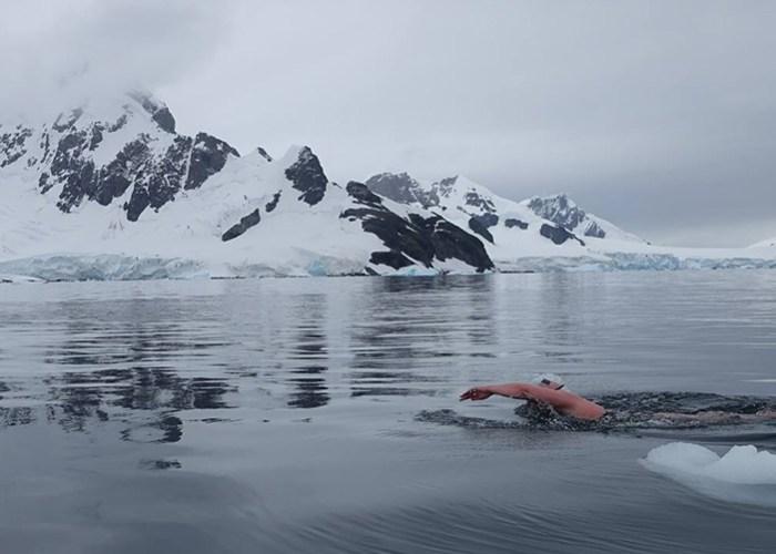 Ice-Swimming