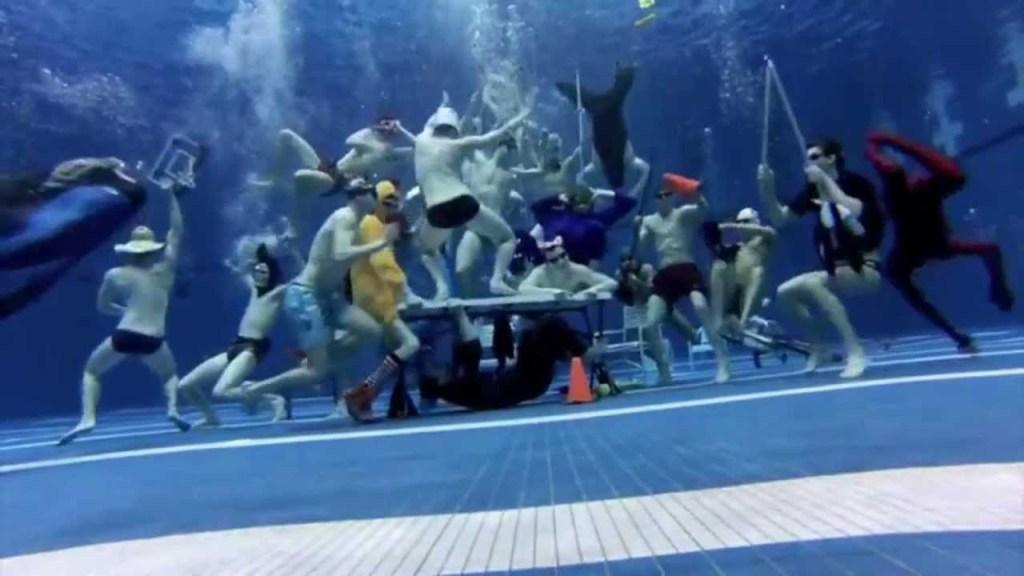 uga-swim-harlem-shake-men