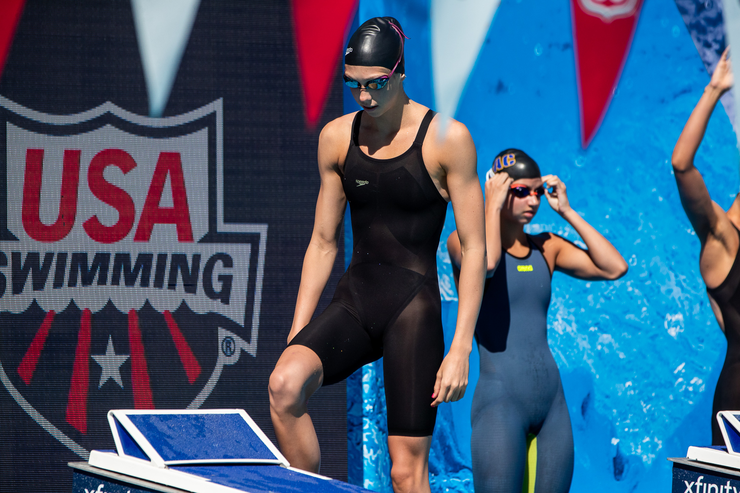 Gretchen Walsh Anchors United States' Mixed 4×100 Free Relay World Junior Record in Budapest