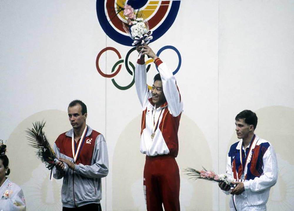 Suzuki-Olympics-gold-podium