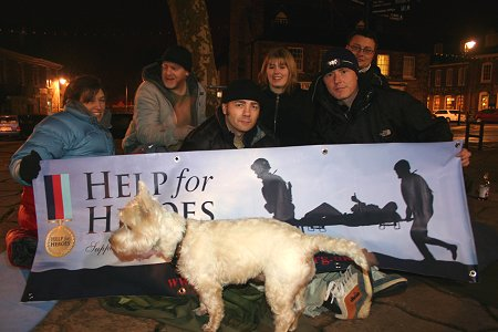 Mike Buss and volunteers sleep out in Highworth Market Square 20 November 2009