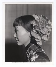 anna-may-wong-huge-poppies-1939