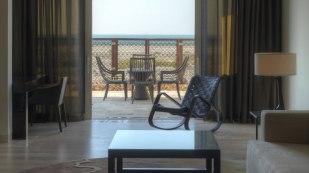 Golfreisen Abu Dabi - Park Hyatt Saadiyat Island. Elegantes Luxushotel auf Saadiyat Island, dem neuen, spektakulären Inselprojekt Abu Dhabis. Mit seinem langen Naturstrand, neuen Hotels, Golfplätzen, Museen, einer Konzerthalle, Ferrari World und vielen weiteren Attraktionen ist diese Destination ein schönes, interessantes Ferienziel mit Sonnengarantie – nicht nur für Golfer. Der lange Sandstrand wird auch Jogger und Strandspaziergänger begeistern.