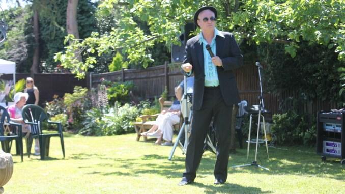 Pete Sinclair performing at Freda's Garden 2017