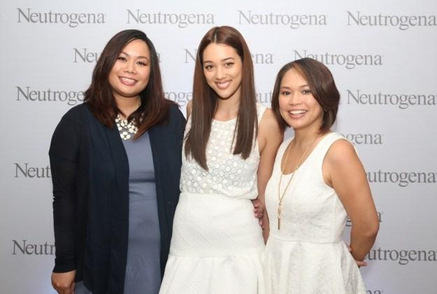 L-R Neutrogena senior brand manager Ella Reyes-David, Neutrogena brand ambassador Kim Jones, and Johnson & Johnson group brand manager Via Reyes-Abaño.