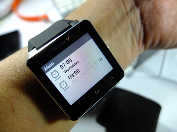 Sony-SmartWatch-2-Alarm