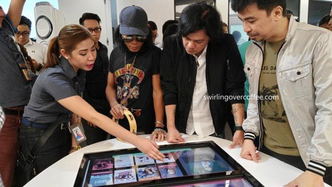 Smart Store, Manny V. Pangilinan