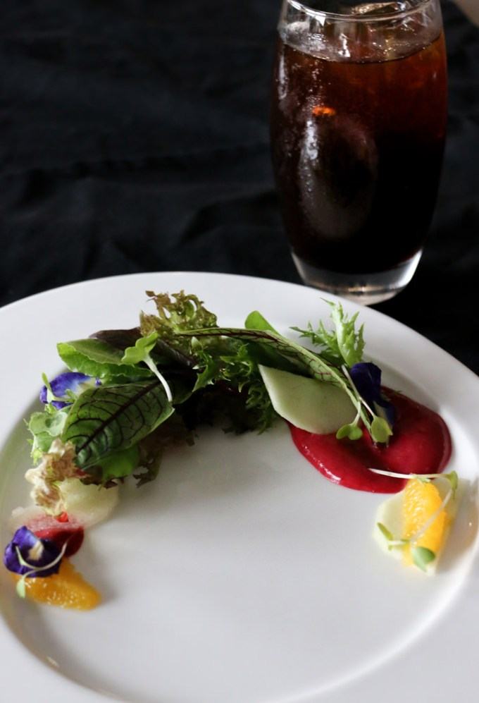 Starbucks Coffee College, Petite Mesclun and Raspberry Salad with Starbucks Cold Brew