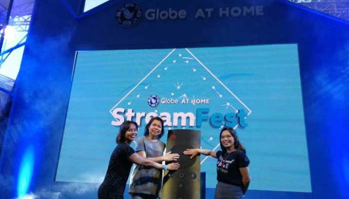 Globe At Home officially launched its new GoBIG Plans in Cebu through the first ever #StreamFest where families were invited to spend an afternoon watching their favorite movies and doing fun activities at Ayala Center Cebu.