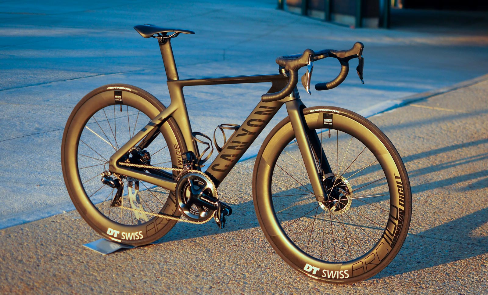 2021 canyon aeroad coddles you with