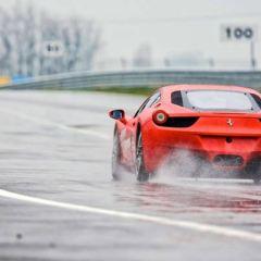 Tecniche di guida 3: guida sul bagnato.