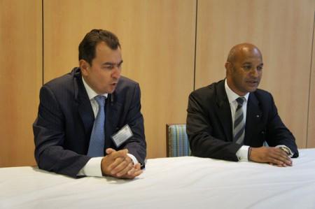 Le Député UMP Daniel Gibbes (à droite) et Pierre Eric Remoleux, président du groupe président du groupe PERSTRAT spécialisé dans les différents secteurs de l'économie touristique française et internationale