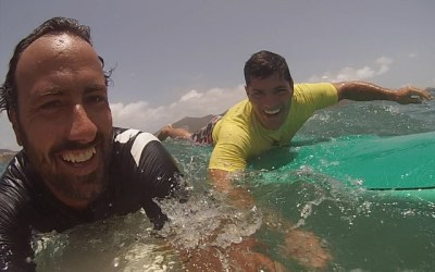 Surfing lesson with Bruschi : NFL star