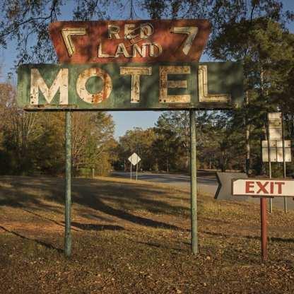 Redland Motel, Washington, Georgia ©Forest McMullin