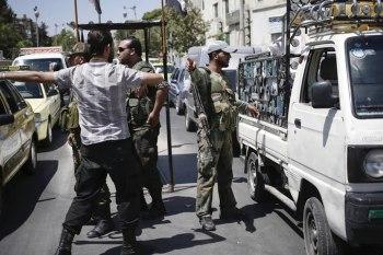 النظام السوري يعمم أسماء 40 ألف شاب مطلوبين