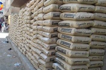 جيش النظام السوري يفرض إتاوات مالية على شاحنات مواد البناء
