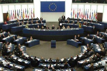 مسؤولون سوريون تطالهم عقوبات الاتحاد الأوروبي