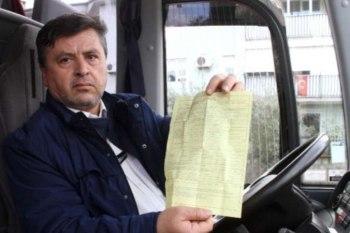 """المواطن التركي """"علي رضا أرطغرل"""" الذي يعمل سائقا على إحدى حافلات شركة نقل تركية"""