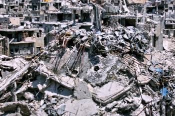 """""""التدمير الممنهج"""" إستراتيجية الأسد وحلفائه بتدمير المدن السورية وتهجير سكانها"""