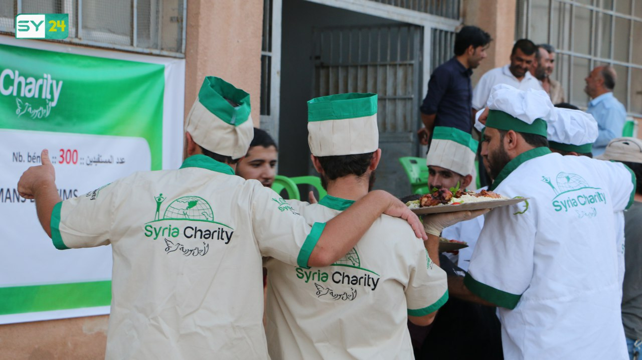 مأدبة إفطار تجمع السوريين من أغلب المحافظات في بلدة