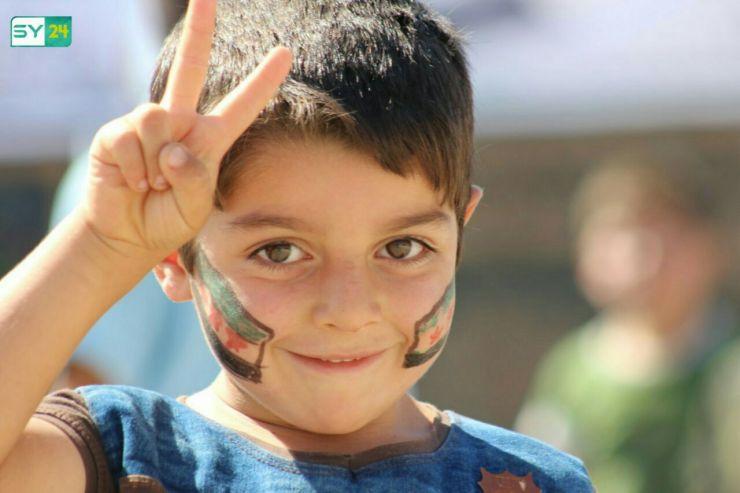 الأطفال يشاركون آباءهم في مظاهرة بلدة أورم الكبرى بريف حلب