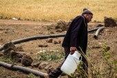 المال مقابل إزالة الألغام في حوض اليرموك!