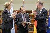 منح محامي سوري جائزة ألمانية فرنسية لشجاعته في الدفاع عن حقوق الإنسان