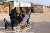 فنان تشكيلي يتحول إلى بائع سندويش في حلب