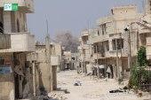 خلال ساعات.. عشرات الصواريخ والبراميل تسقط على مدينة في ريف إدلب!