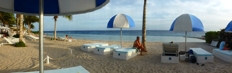 Pool und Strand im Resort Jan Thiel, Curacao