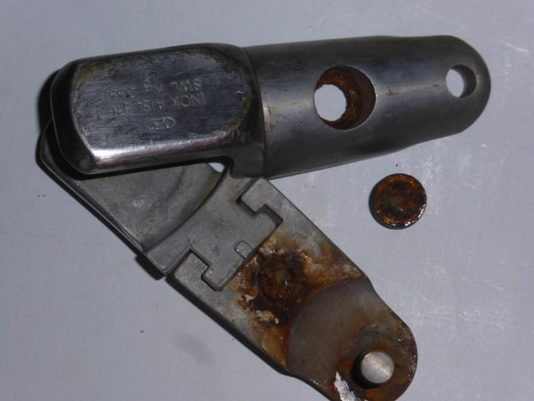 Niro-Ankerwirbel mit durchgerosteter Verbindungsschraube