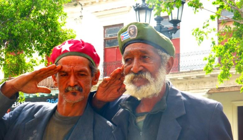 Fidels vergessene Kameraden auf Betteltour in Alt-Havanna