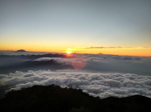 Lautan Awan di Gn, Cikuray - Garut, Jawa barat