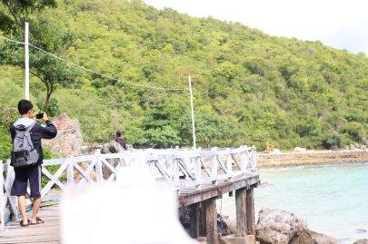 Dermaga Pantai Tawaen