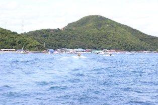 Pemandangan Pulau Koh Larn dari Kejauhan