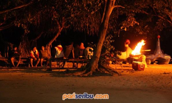 Malam hari di Pulau Pari