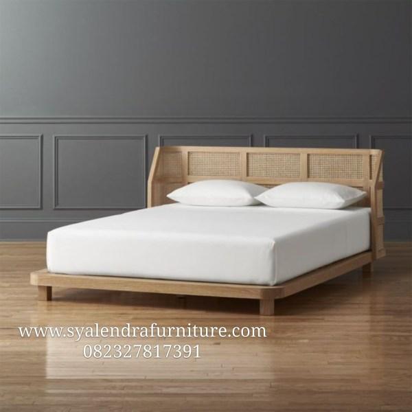 Tempat Tidur Sandaran Rotan Lengkung Jati