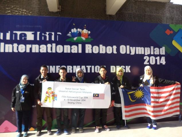 Team Robot Soccer UKM