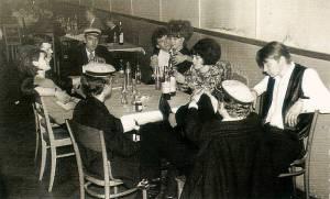 Club Hot Circle, Ringsted 1965, pause med kærester og fætter Roadie-Johnny