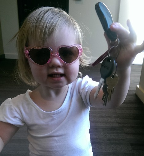 Sydney loves mama's keys