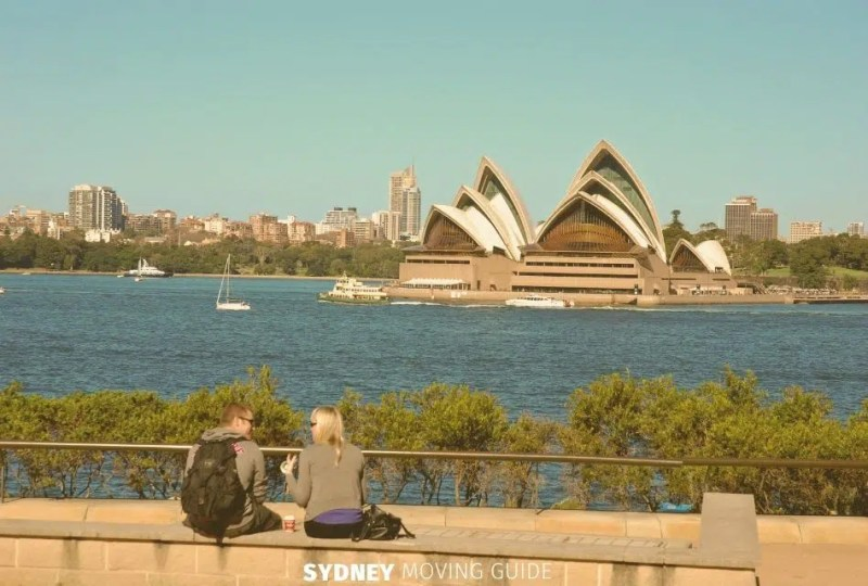Making New Friends as an Expat Living in Australia
