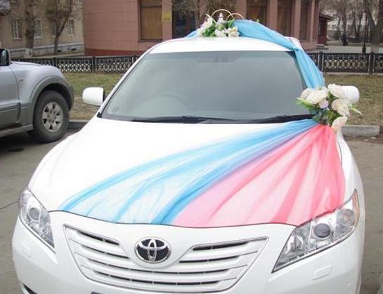 Как украсить машину на свадьбу своими руками? Украшение ...