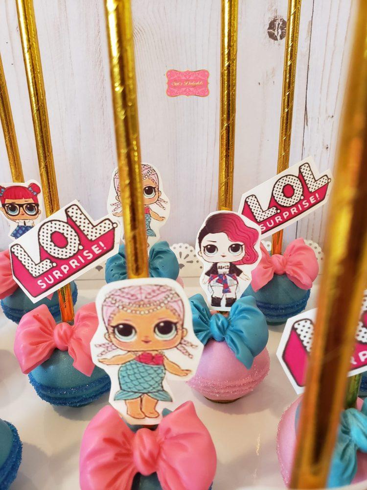 LOLLL theme Cakepops