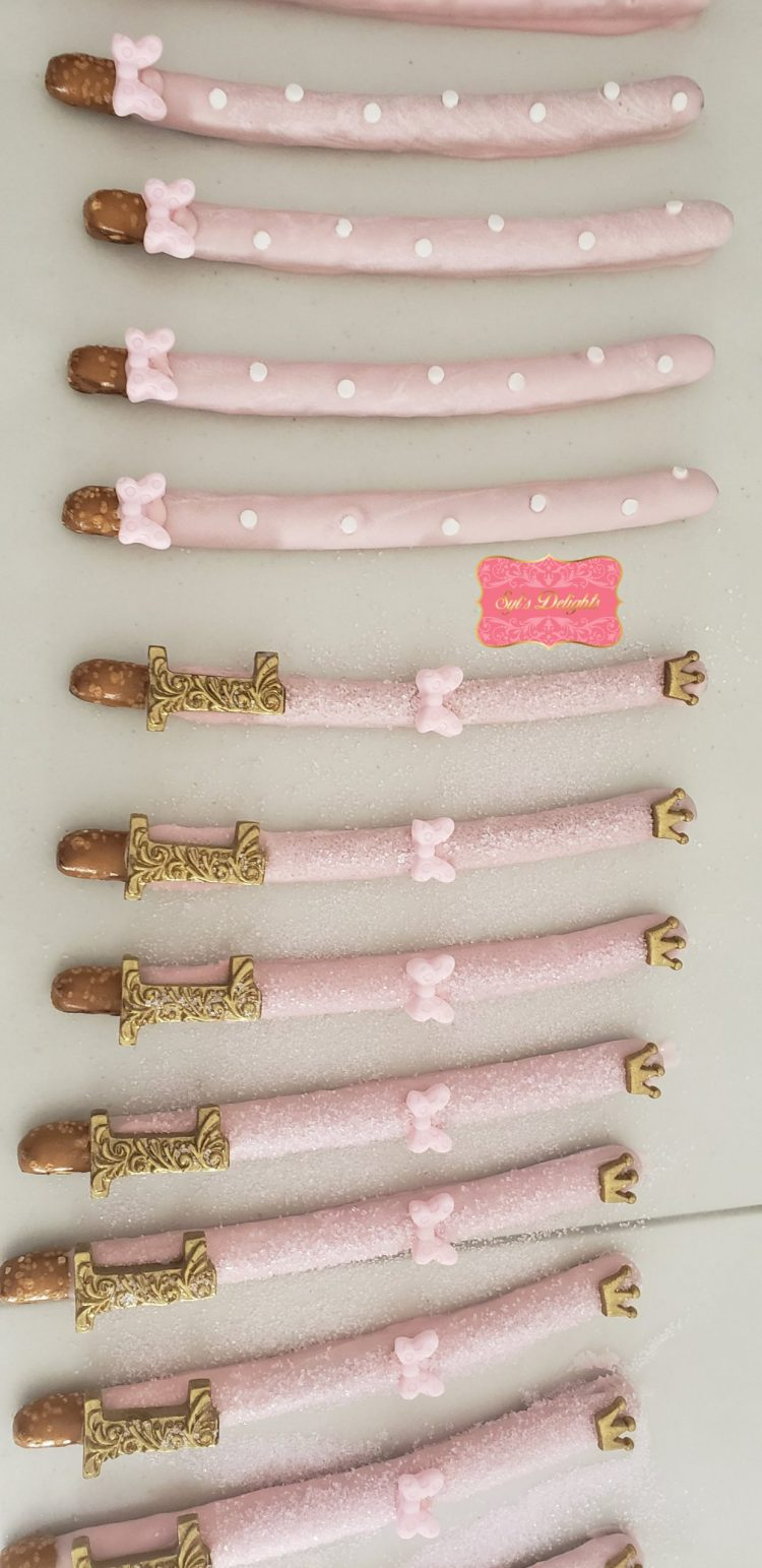 Minnie Mouse Pretzel rods