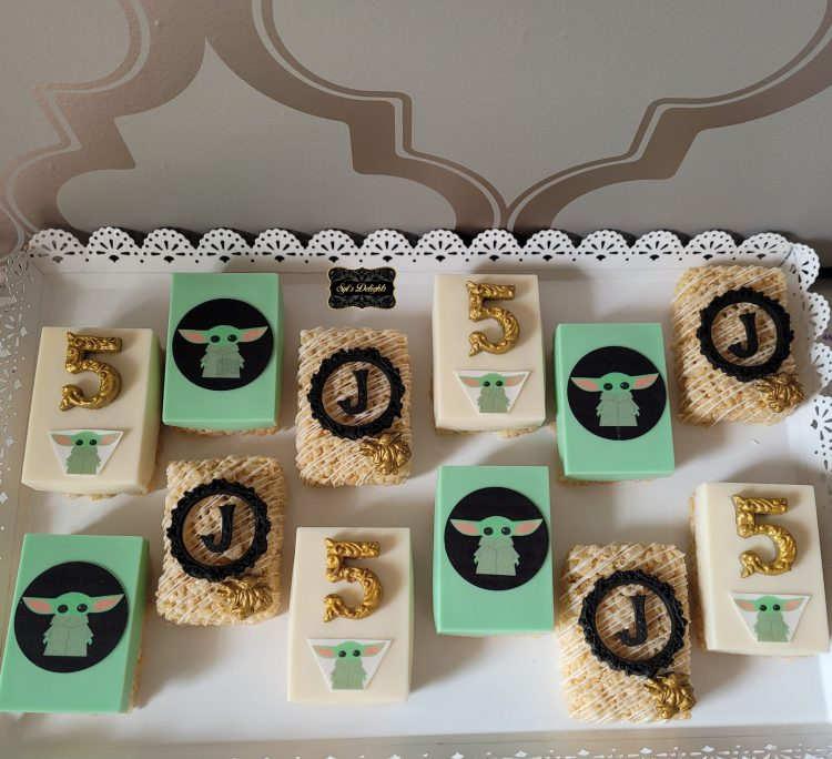 Baby Yoda party package