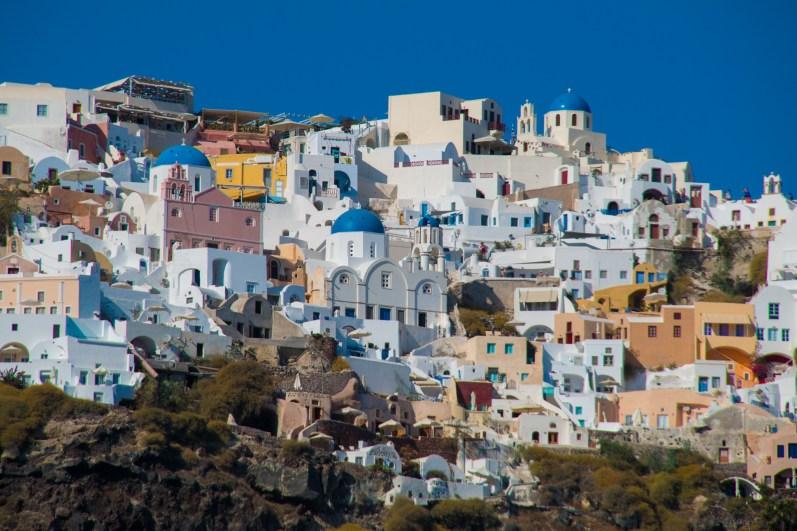 Les petites maisons colorées d'Oia.