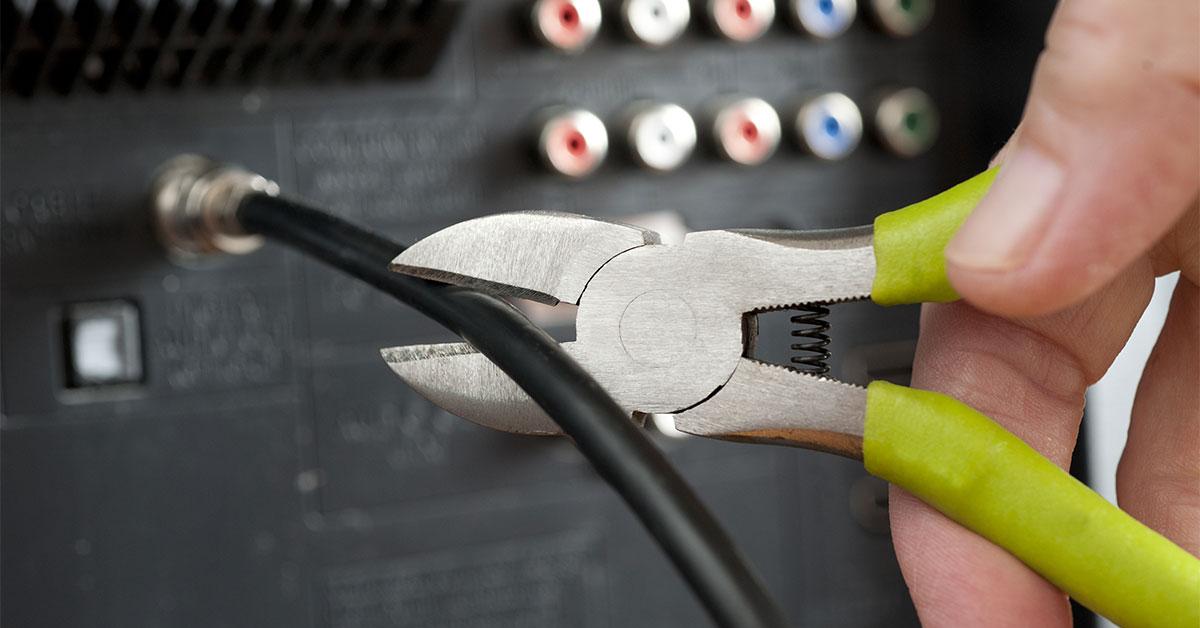 Couper les services de télécommunication. Maintenant.