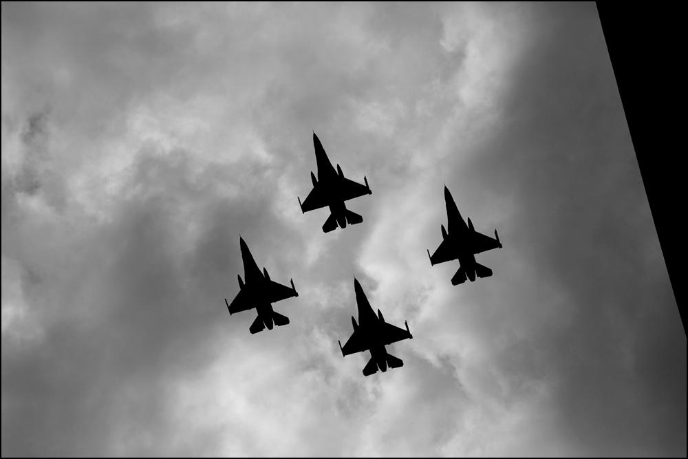 Groupe d'avions, fête nationale belge (Bruxelles, 21 juillet 2012)