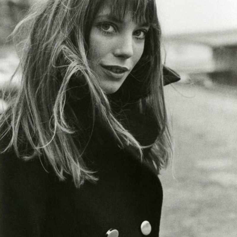 Sylvie in the Sky / Winter Style Guide / 8 Classic Coats It Girls Love / Jane Birkin / Navy Coat